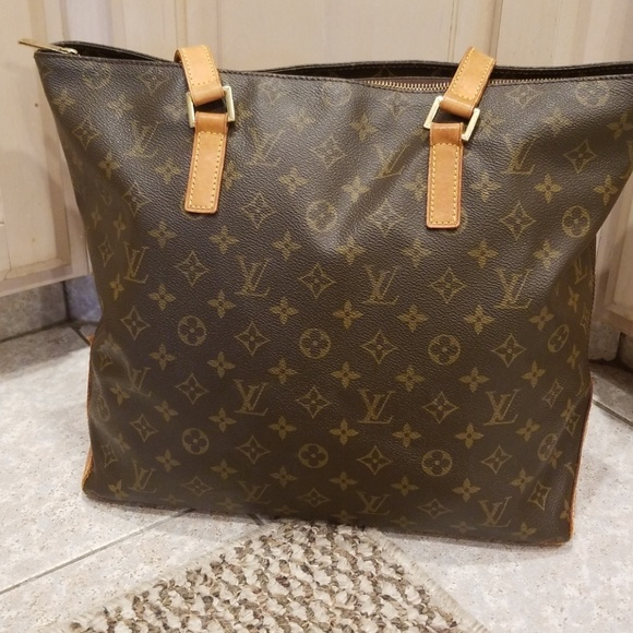 4cc5b1770236 Louis Vuitton Handbags - Authentic Louis Vuitton Cabas Mezzo shoulder bag